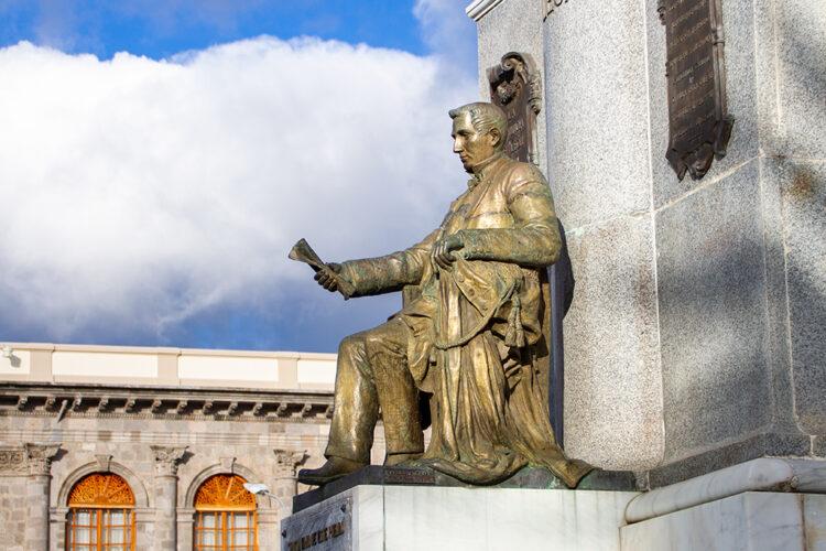 95 AÑOS DE UN MONUMENTO, VICENTE LEÓN: LEGADO DE HISTORIA Y TRADICIÓN