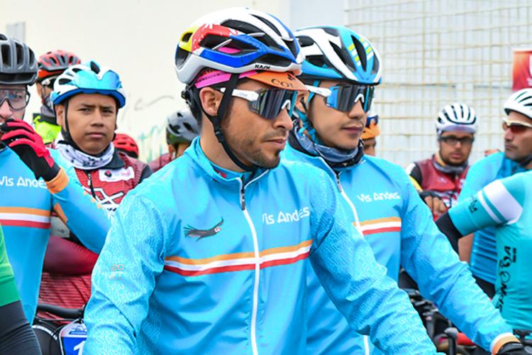 DIEGO CALLES CICLISTA DEL TEAM VISANDES TRIUNFA EN EL CHIMBORAZO EXTREMO 2021